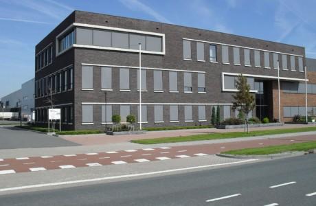 Bedrijfsgebouw Maasdijk